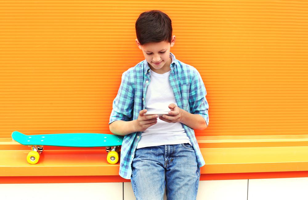 Jakie zasady obowiązują przy wyborze telefonu dla dziecka?